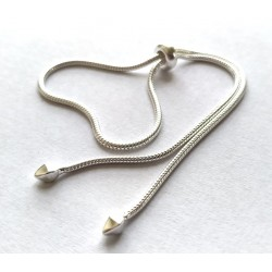 Stříbrný řetízek na ruku typu hadinka